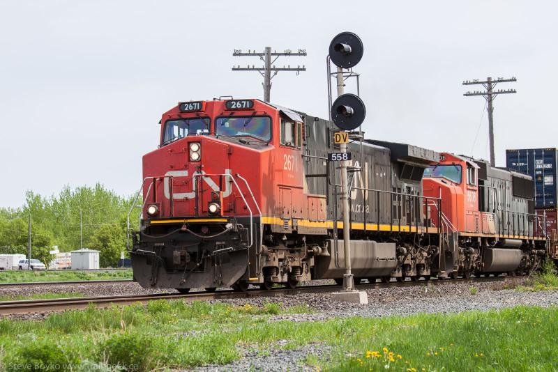CN 2671 in Portage la Prairie