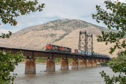 CN 2314 crossing the North Thompson River in Kamloops, BC 2013/08/06