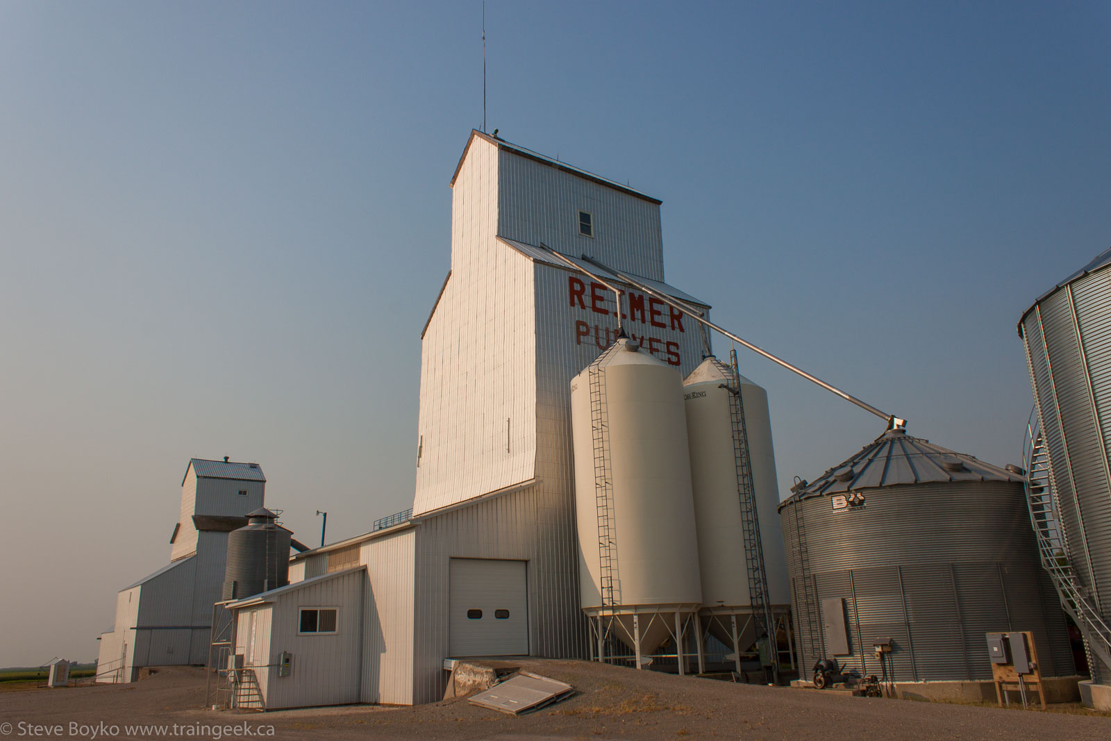 The Purves grain elevator 2014/07/20