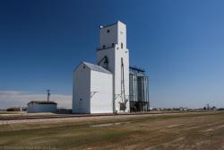 The grain elevator in Holland, Manitoba 2014/05/10
