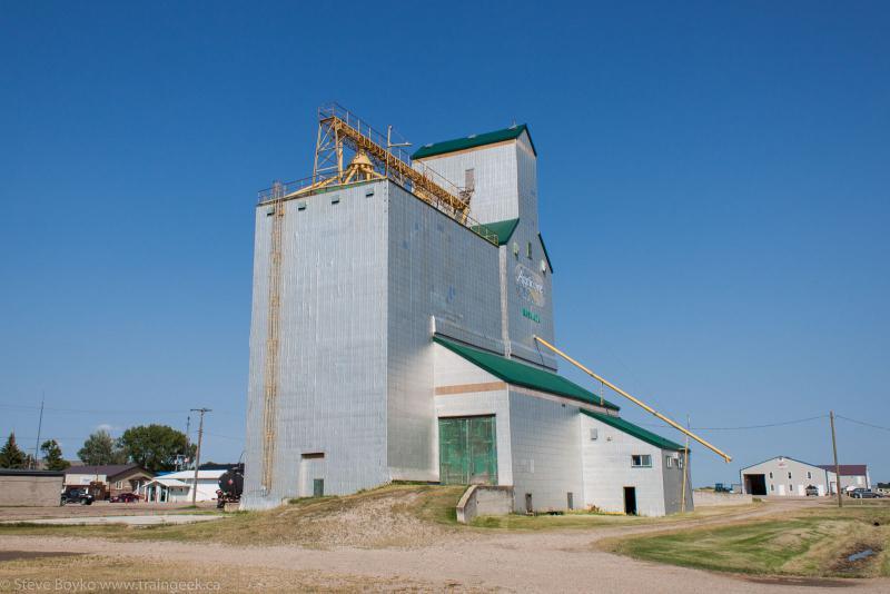 Waskada grain elevator