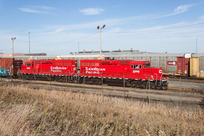 CP 2299 and CP 2283 in Winnipeg, MB 2014/11/01
