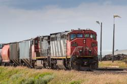 CN 2402 in Brandon, MB 2014/08/09