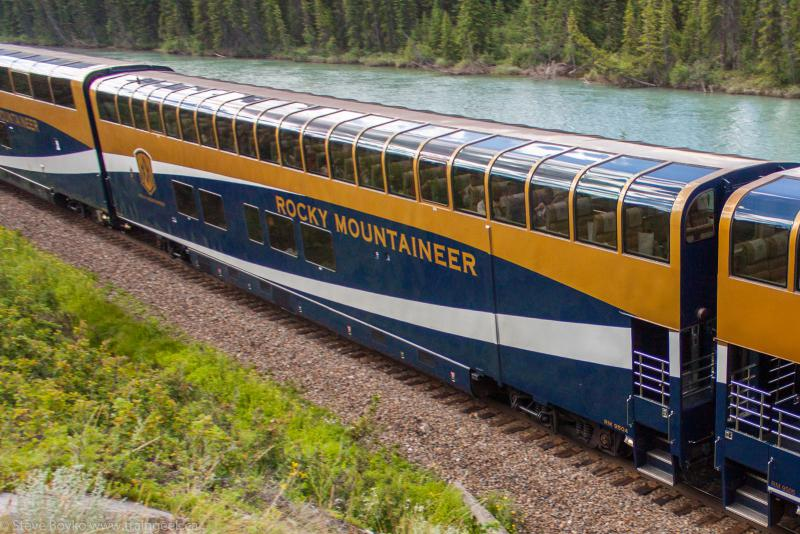 RMR 9504 outside Banff 2013/07/21