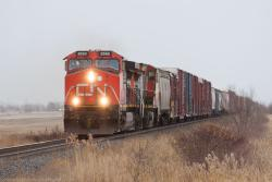 CN 2552 approaching Winnipeg, MB 2015/04/03