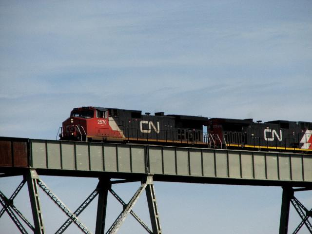 CN 2570 on Salmon River trestle, 2007/08/12