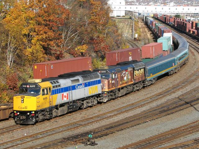 VIA 6415 on VIA 15 at Halifax, NS 2006/11/04