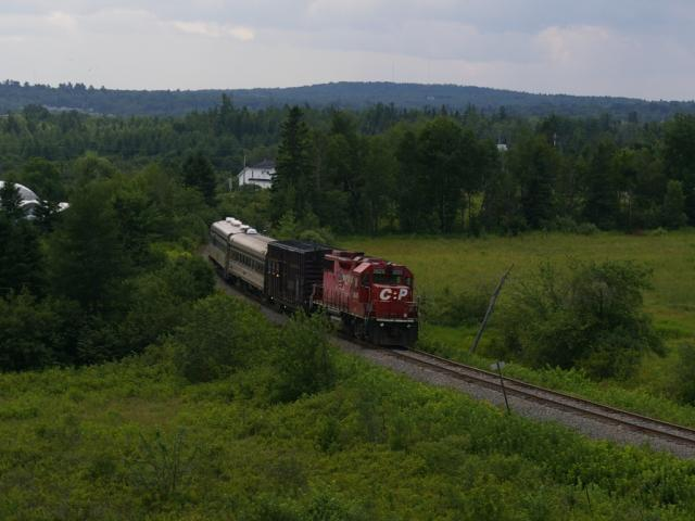 CP 3025 and the TEC train entering St. Stephen, NB