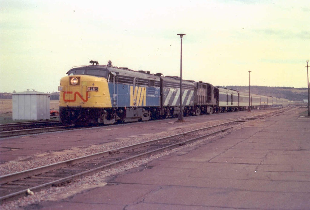 VIA 6765 at Sackville, NB 1977/05/12. Photo by David Morris.