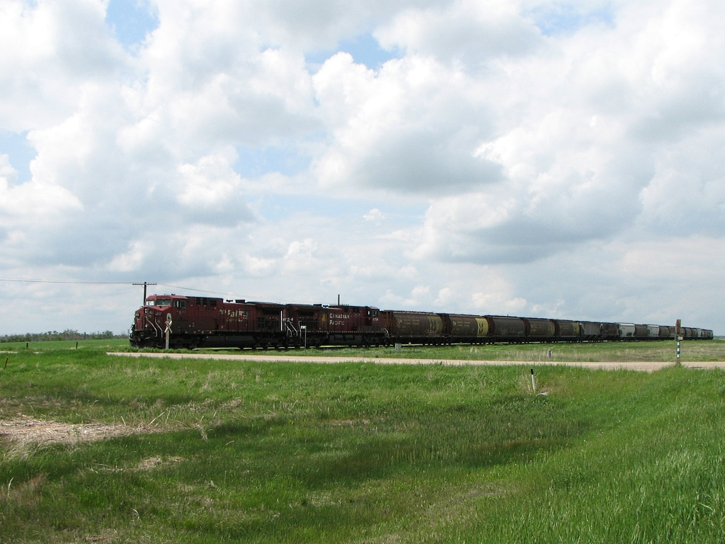 CP 9514 near Brandon, MB 2009/06/16