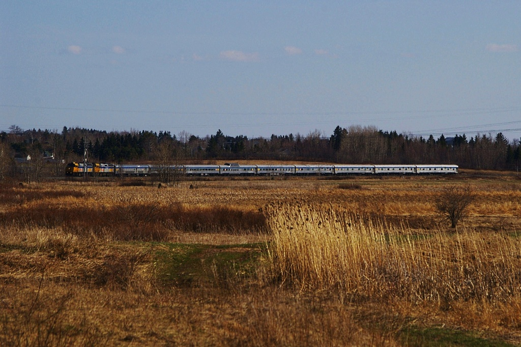 VIA 6435 at Memramcook, NB 2009/04/29 by David Morris