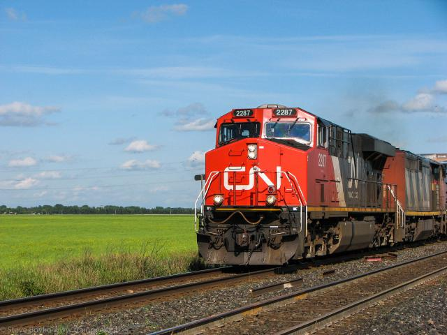 CN 2287 Leaving Winnipeg, MB 2009/08/18