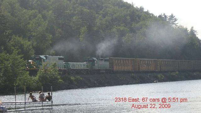 NB Southern 2318 and Slug. Photo by Brian Barchard.