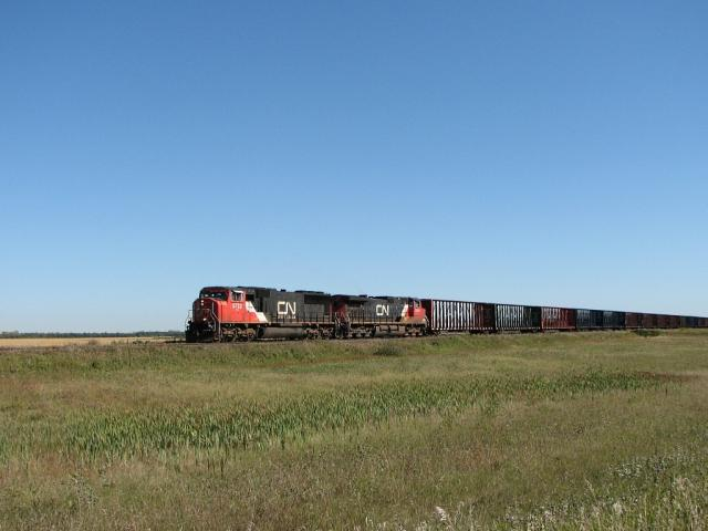 CN 5722 at Diamond