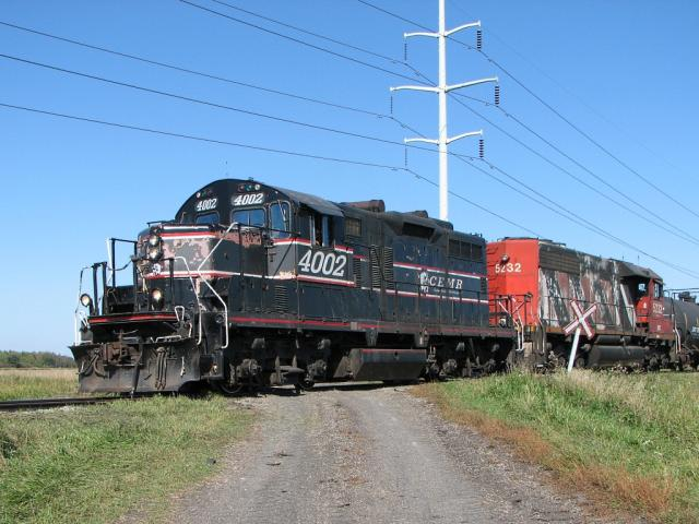 CEMR 4002 at a private crossing