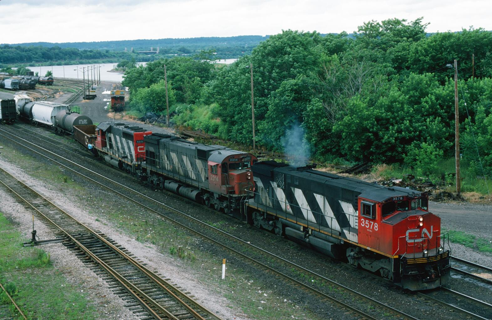 CN 3578 at Hamilton, ON 1994/06/26 by David Stowe