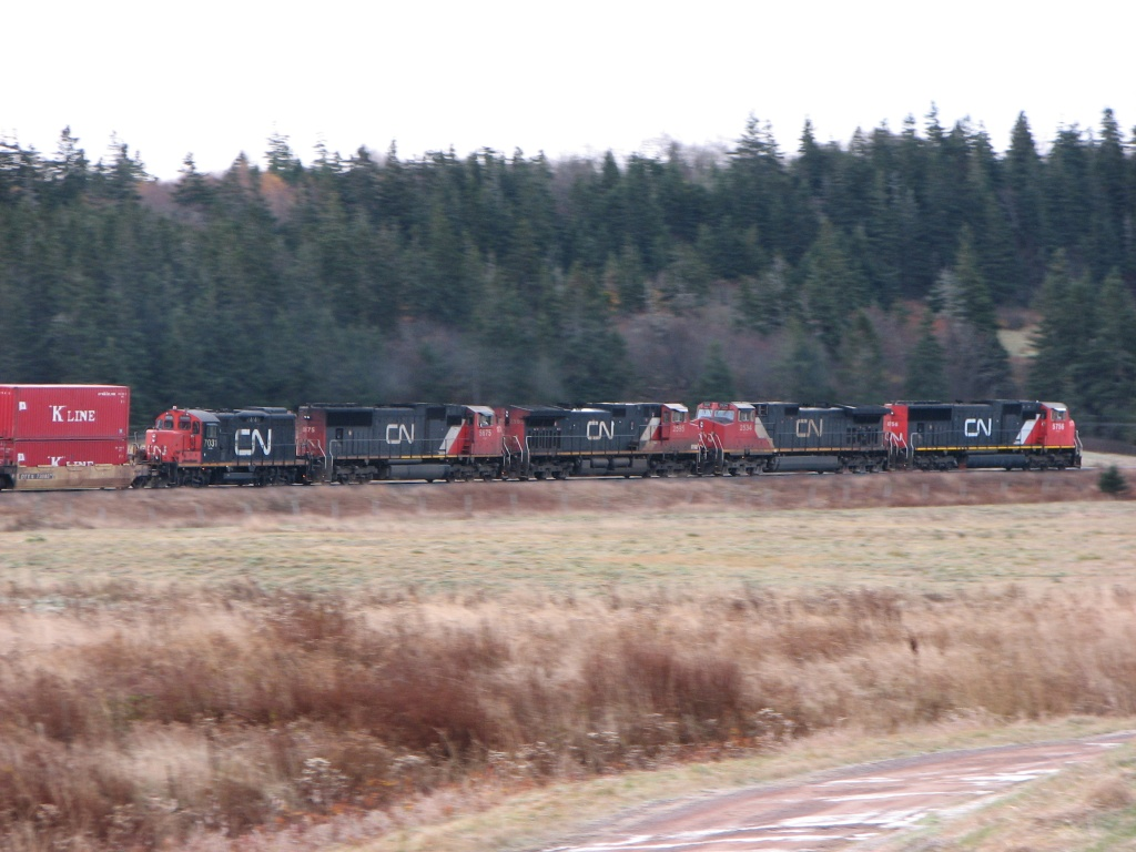CN 7031 at Aulac, NB 2009/11/05