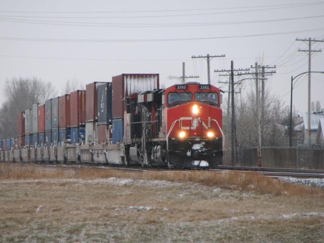 CN 2262 in Winnipeg, MB 2009/12/01