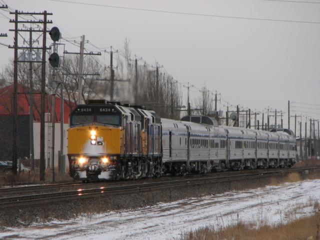 VIA 6434 in Winnipeg, MB 2009/12/14