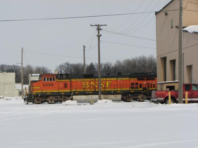 BNSF 5498 in Grand Forks, ND 2010/02/06