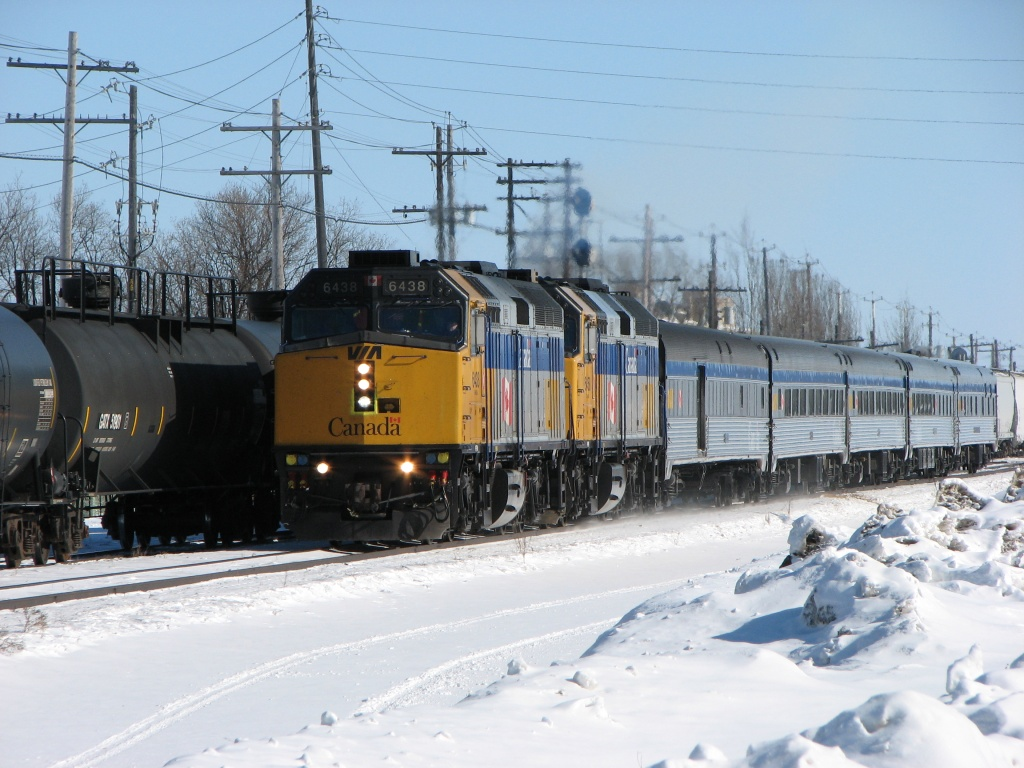 VIA 6438 in Winnipeg, MB 2010/02/23