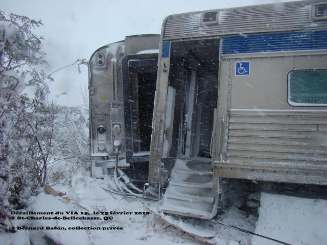 VIA 8620 derailed at St-Charles, Quebec 2010/02/25. Photo by Bernard Babin.