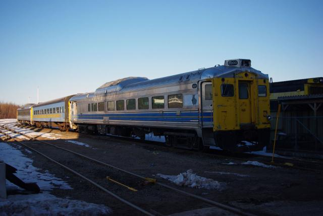 RDCs 6200 and 6122 and coach 5122 at IRSI in Moncton
