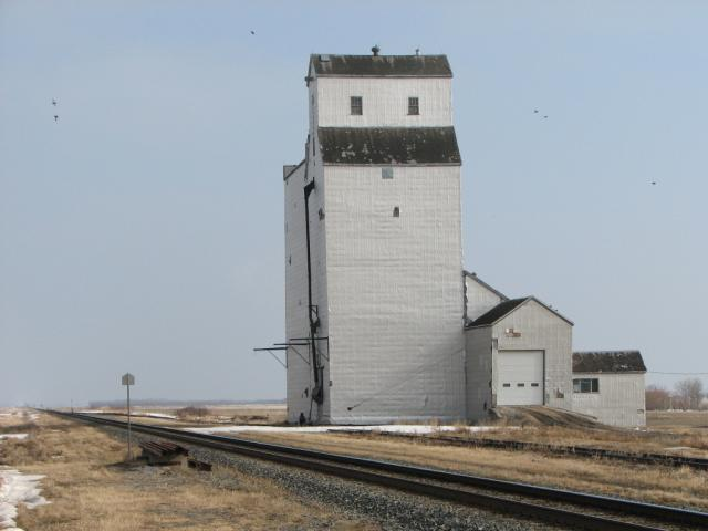 Meadows grain elevator, Manitoba
