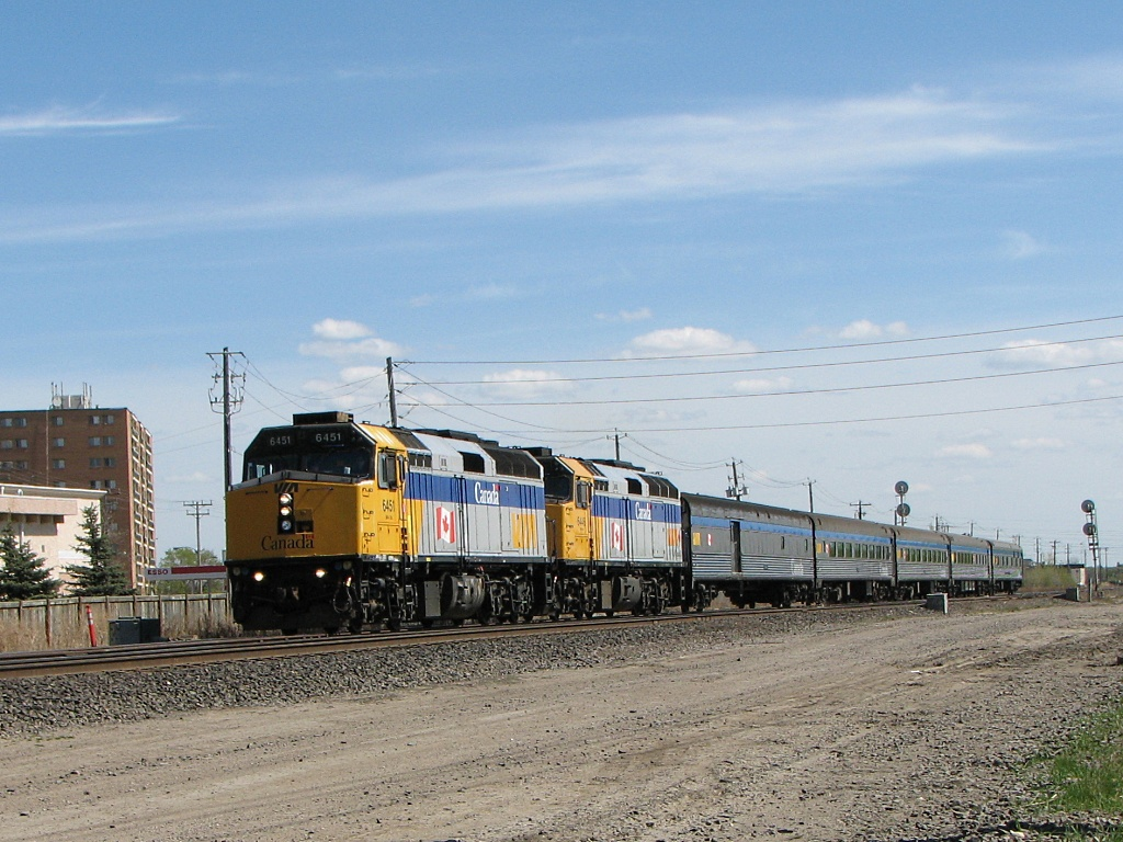 VIA 6451 in Winnipeg, MB 2010/04/27