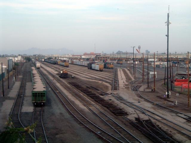 Union Pacific Yard in Phoenix, AZ 2010/04/14