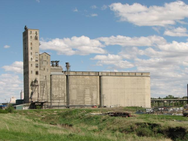Parrish & Heimbecker Elevator in Moose Jaw, SK