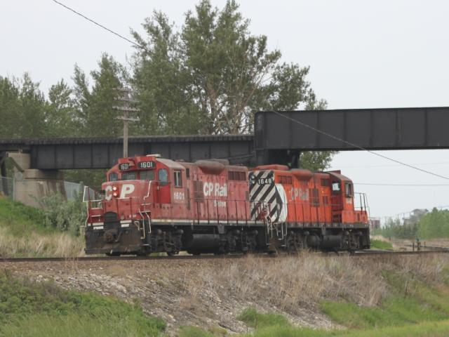 CP 1601 and 1648 in Calgary, AB 2010/06/18