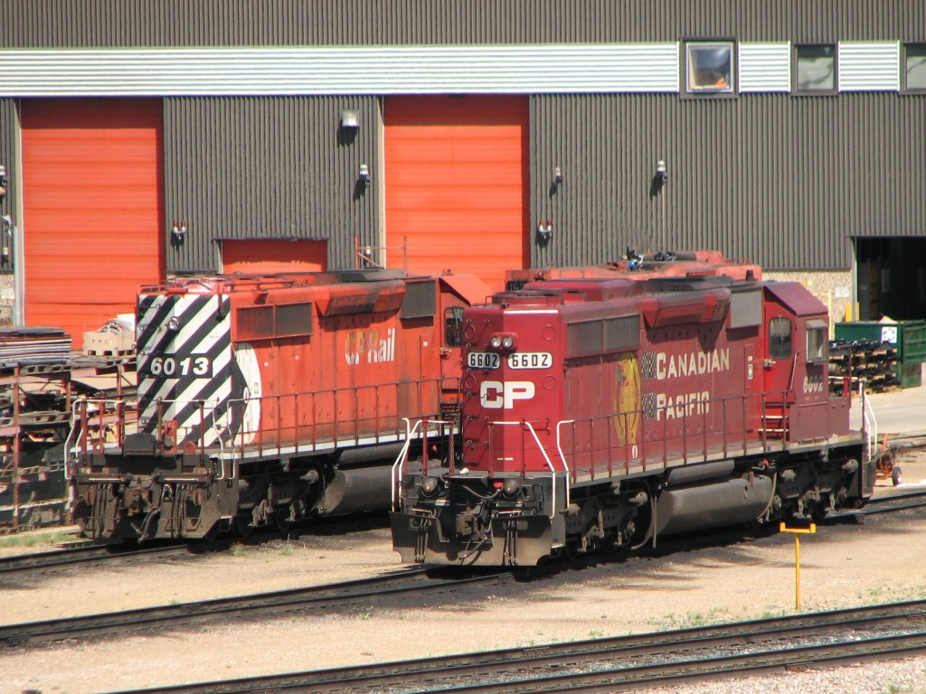CP 6013 and 6602 in Moose Jaw, SK 2010/05/21