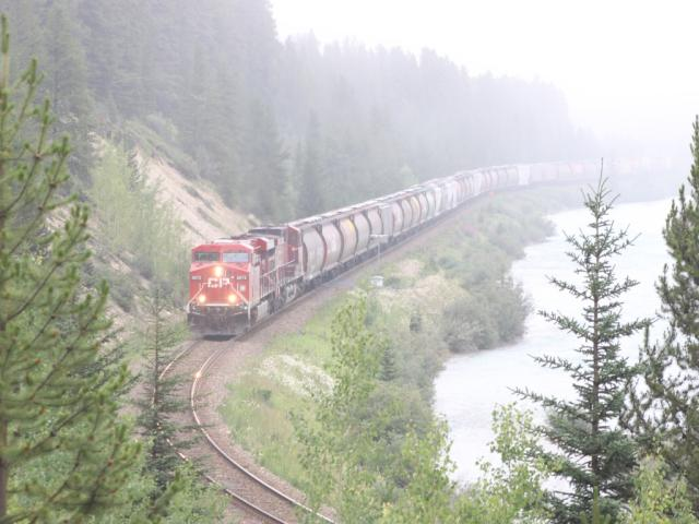 CP 8872 at Morant's Curve