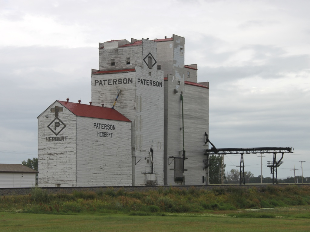 The Paterson grain elevator in Herbert, SK 2010/08/12