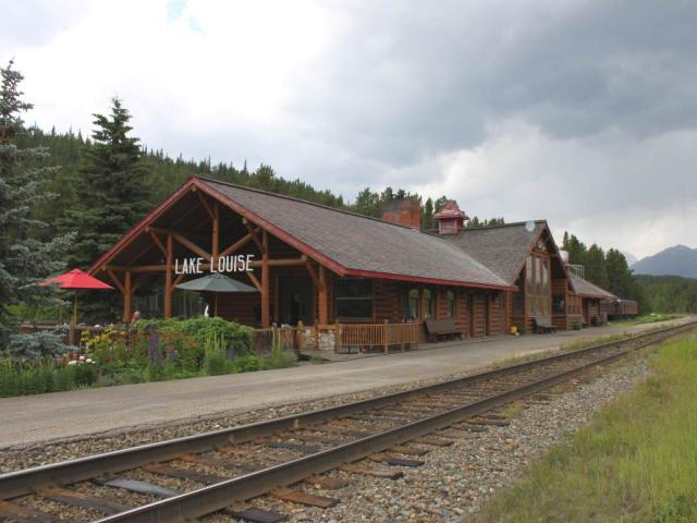 Lake Louise Station