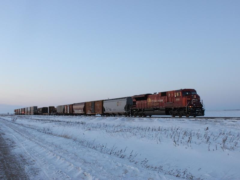CP 9150 near Meadows, MB 2010/12/12
