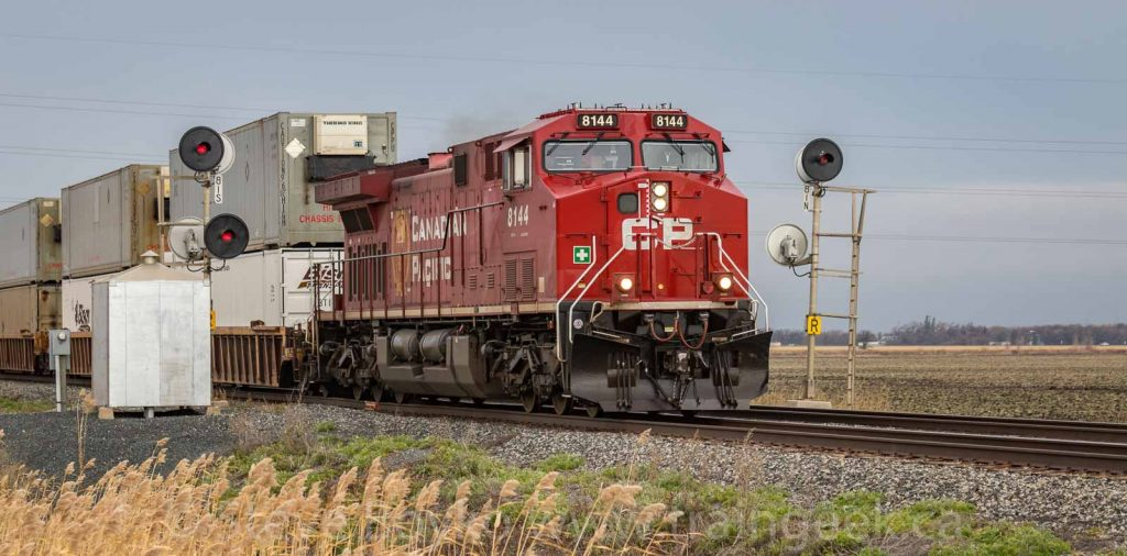 CP 8144 splitting the uprights