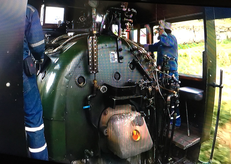 Steam engine powering Tren Crucero