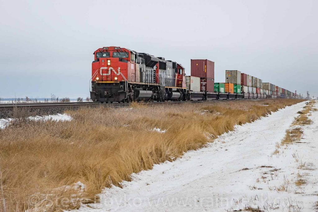 CN 8873 outside Winnipeg