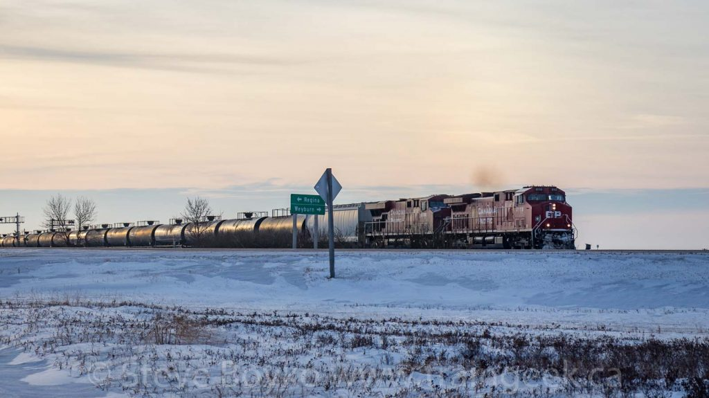 CP 8115 approaching Corinne, SK