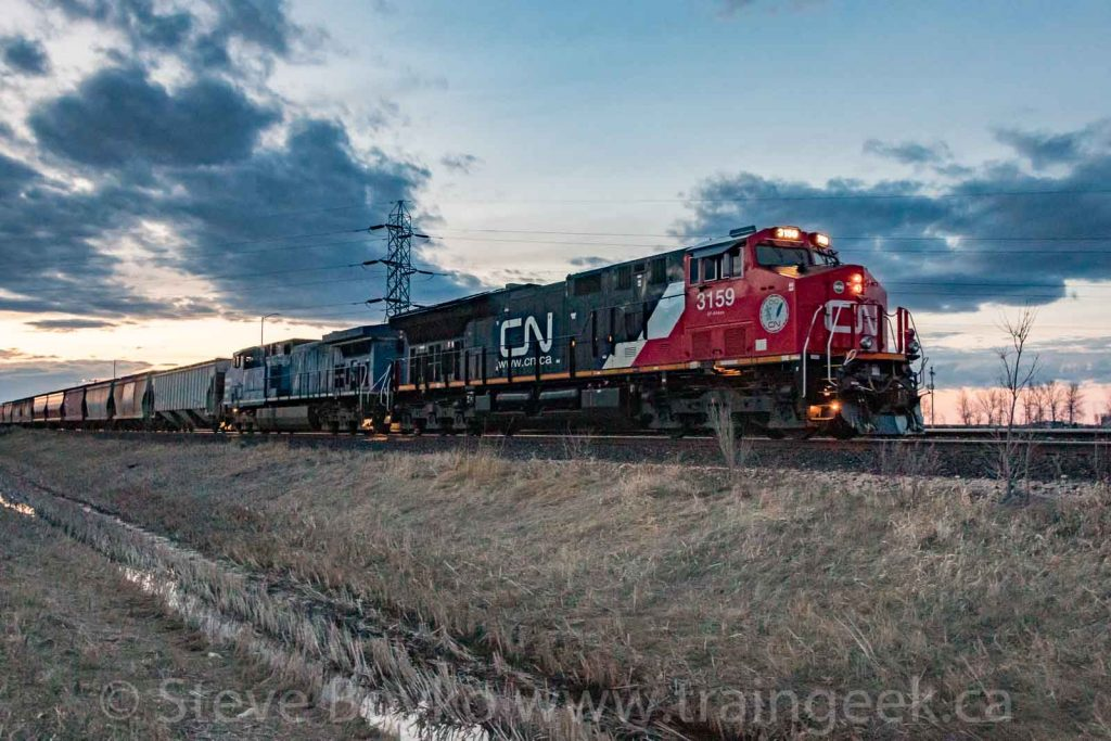 CN 3159 leading the charge after sunset