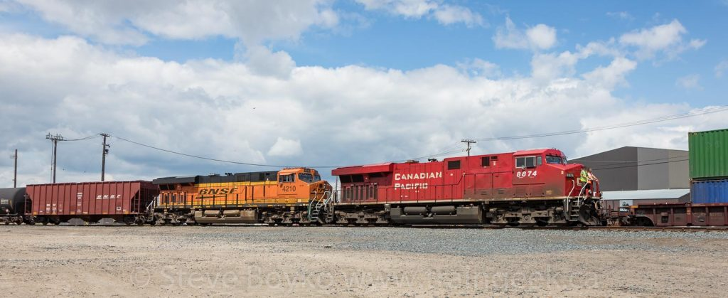 CP 8874 and BNSF 4210 in Winnipeg