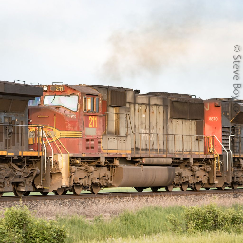 Ex Santa Fe Warbonnet PRLX 211 on CN, June 21, 2019