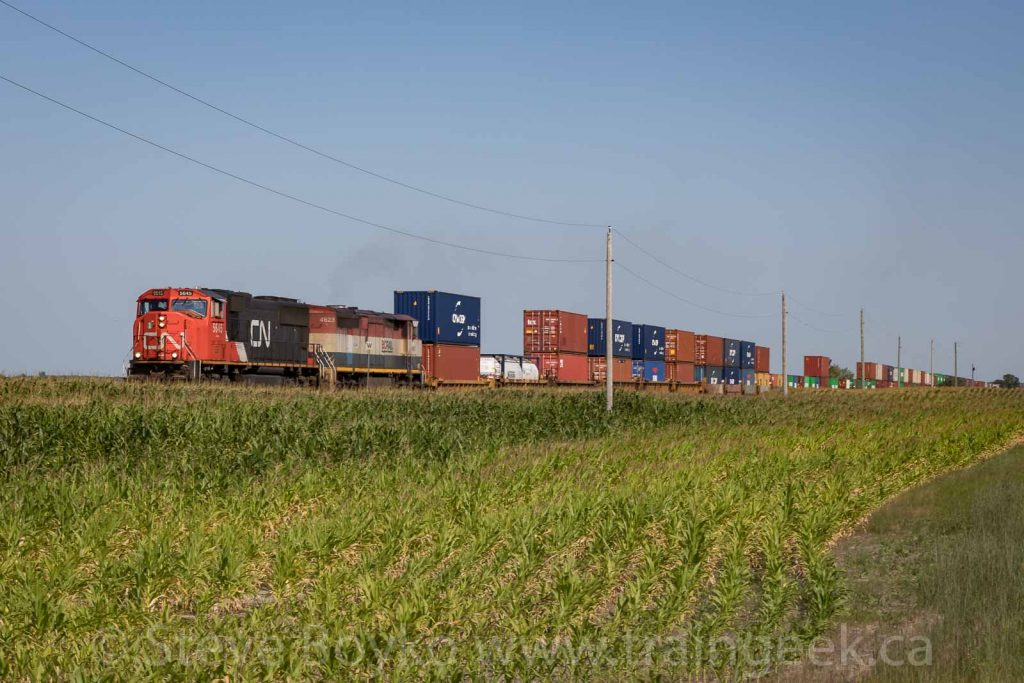 CN 5645 East at Giroux