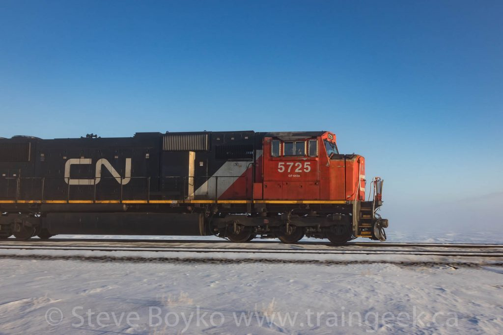 CN 5725 in profile