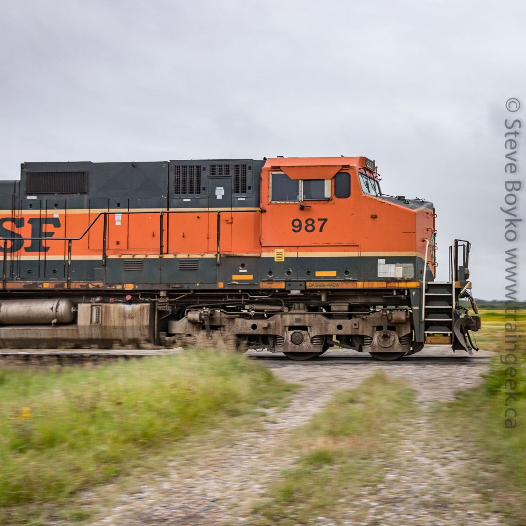 BNSF 987 on the tail end
