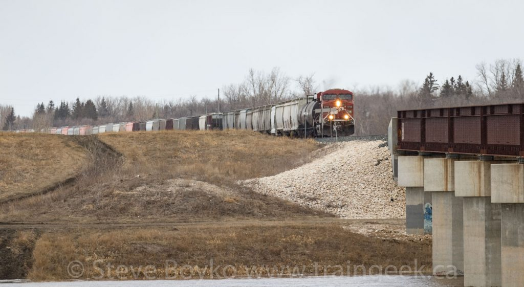 CP 8798 about to cross the Floodway