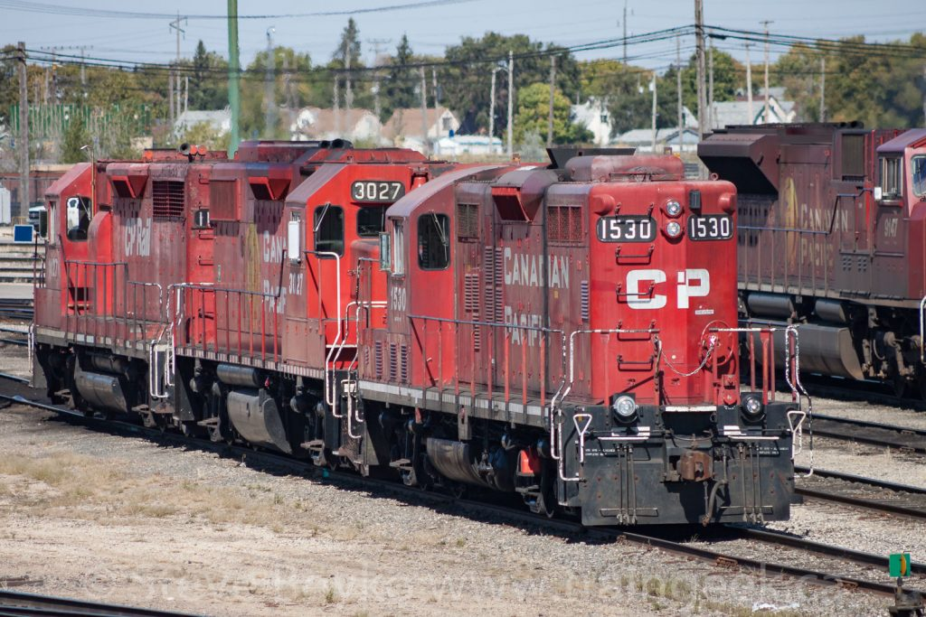CP 1530 with 3027 and 1127 in Winnipeg