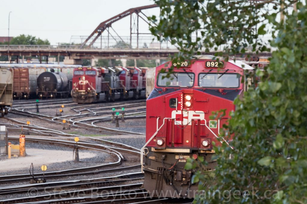 CP 8920 about to block CP 6644 and friends